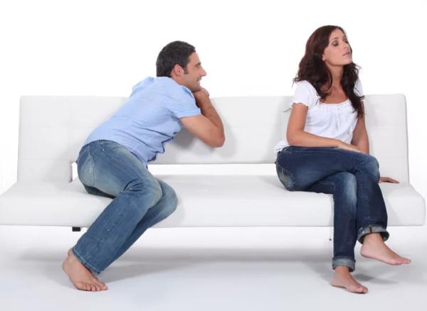Что подарить девушке после ссоры?