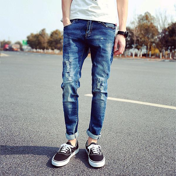 Как подворачивать джинсы правильно — 9 стильных способов0