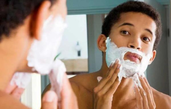 Как правильно бриться мужчине станком — техника бритья для начинающих1