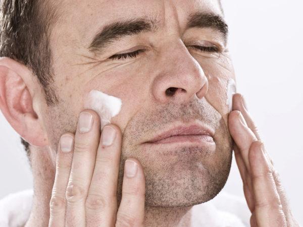Как правильно бриться мужчине станком — техника бритья для начинающих4