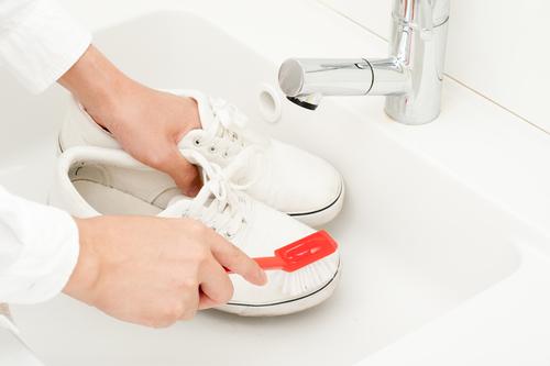 Как почистить белые кроссовки — кожаные, тканевые, сетчатые3